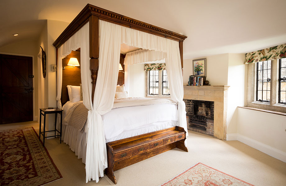 Example bedroom at Abbots Grange